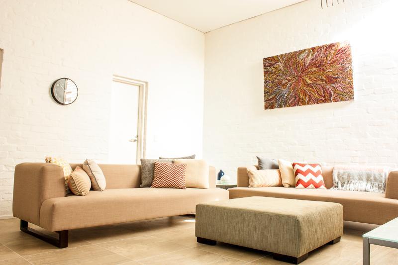 Living area. - LUXICO - York St - Melbourne - rentals