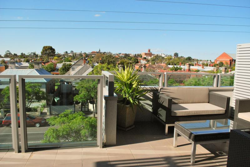 Private balcony with great city views - Westgarth Penthouse - Melbourne - rentals