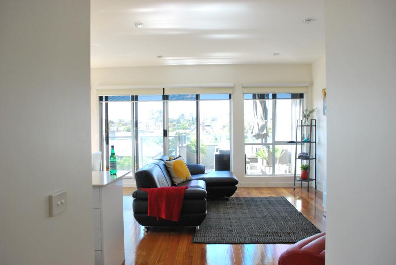 Spacious living area - Westgarth Penthouse - A LUXICO HOLIDAY HOME - Melbourne - rentals