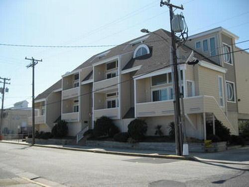 834 Moorlyn Terrace Unit 204 114433 - Image 1 - Ocean City - rentals