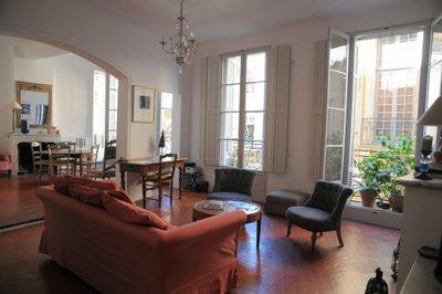 Stunning 1 Bedroom Apartment in the Historic Center of Aix en Provence - Image 1 - Aix-en-Provence - rentals
