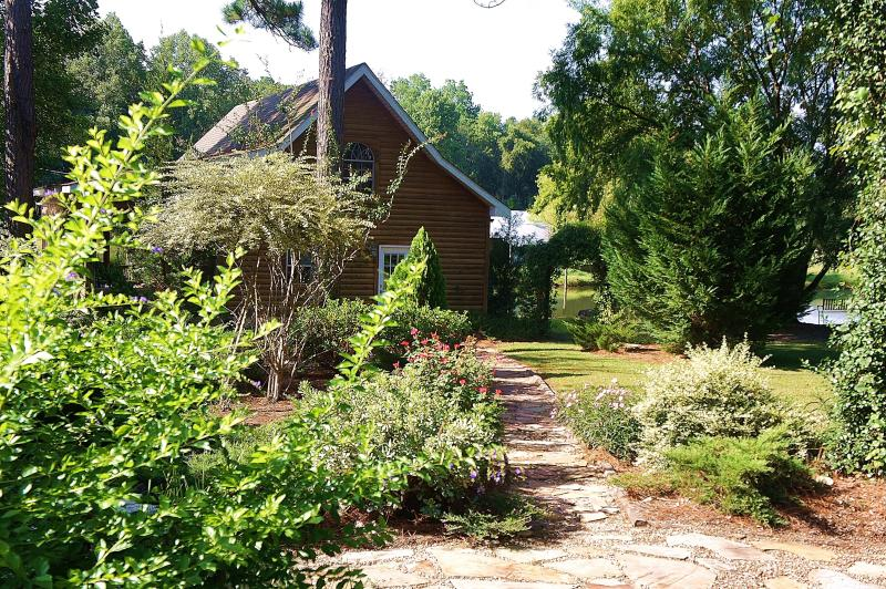 Lovely Cabin in the Rural South - Image 1 - Tifton - rentals