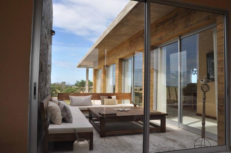 Beautiful 4 Bedroom House Located in Jose Ignacio - Image 1 - Manantiales - rentals