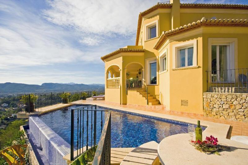 Villa Alexander - Image 1 - Javea - rentals