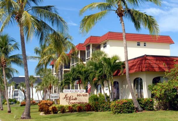 La Siesta Condos - La Siesta - Steps to Siesta Key, FL #1 Beach! - Siesta Key - rentals