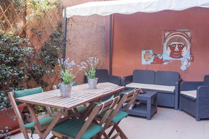 Radio Trastevere Green Terrace Wifi AC - Image 1 - Rome - rentals