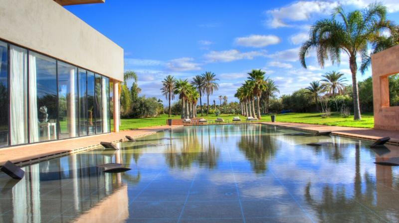 Medern Luxury villa in Marrakech Palmeraie - Image 1 - Marrakech - rentals