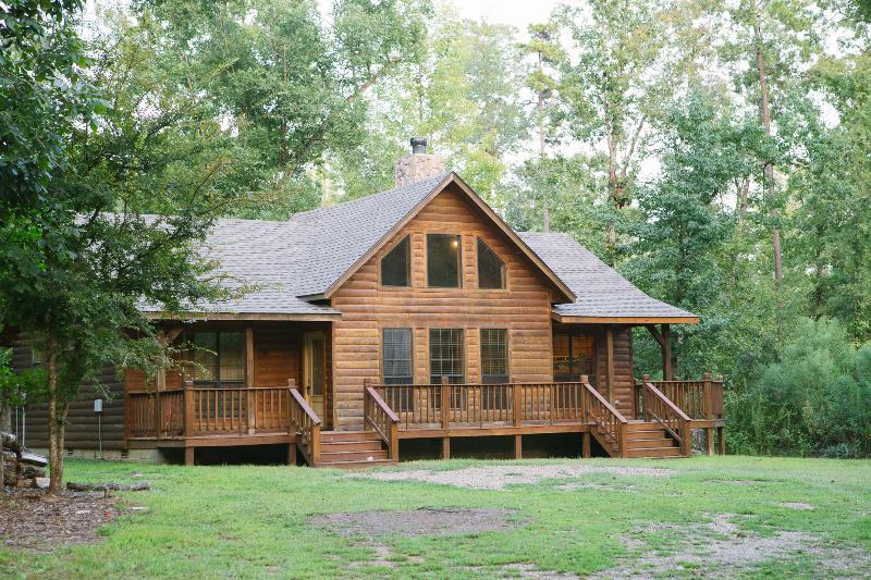 2 Bed Private Cabin easy access to Beaver's Bend - Image 1 - Broken Bow - rentals