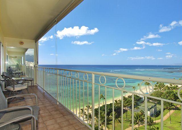 Breathtaking ocean views - Beachfront 1-bedroom, full kitchen, washer/dryer,  A/C, WiFi, sleeps 4. - Waikiki - rentals