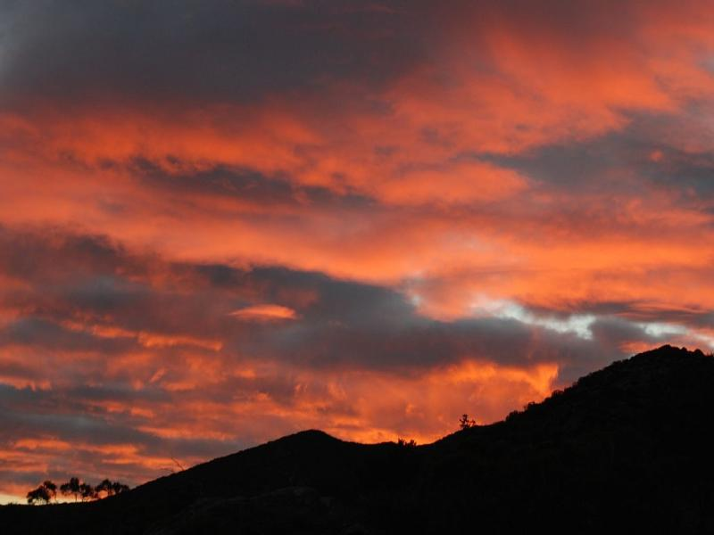 Sunrise Over Sugar Loaf Mountain - Mountain View Chalet - Secluded - Anza - rentals