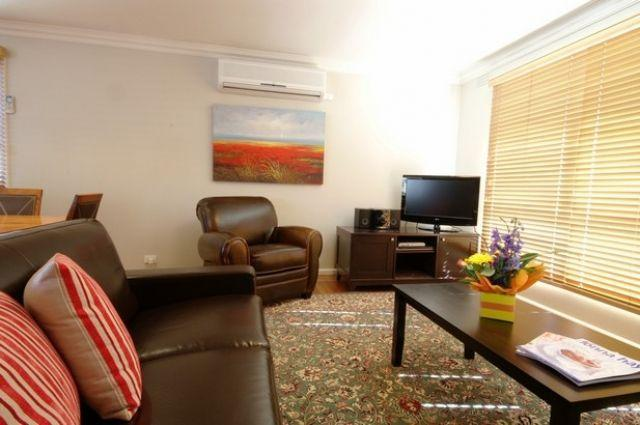 Sandy Haven  3 bed 2 bath - 7 night min stay - Image 1 - Melbourne - rentals
