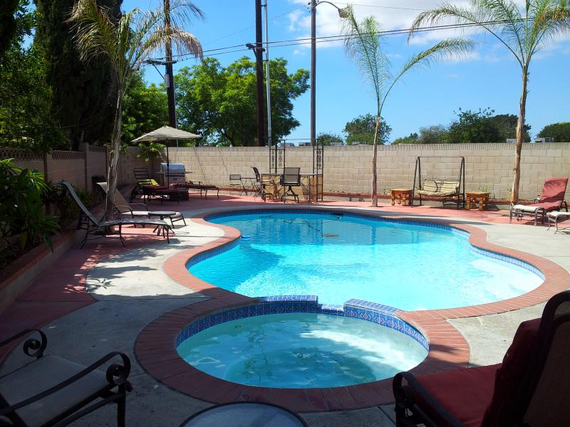 Pool and Jacuzzi - House with pool 5 min. to Disney Land - Anaheim - rentals