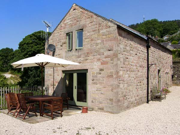 THE MILK HOUSE, woodburning stove, patio with furniture, beautiful views, good for walking, near Wirksworth, Ref 29982 - Image 1 - Wirksworth - rentals