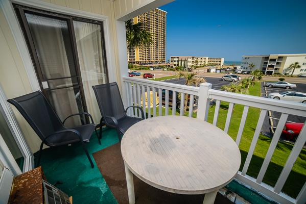 Right across from the beach with partial ocean view from balcony - A Place at the Beach Cozy Condo, Shore Dr, Pool - Myrtle Beach - rentals