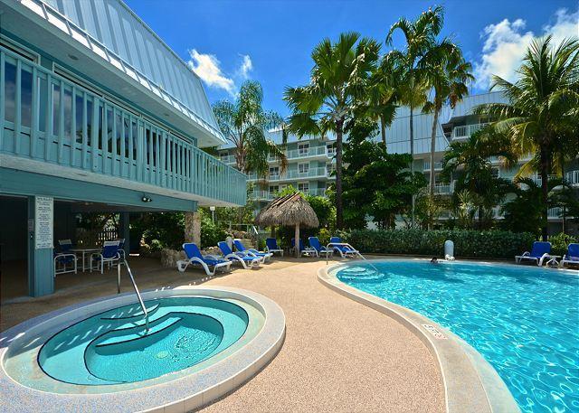 Beautiful On Site Pool & Hot Tub - Playa Royale - Beachfront Condo w/ Breathtaking Views. Pool & Hot Tub - Key West - rentals