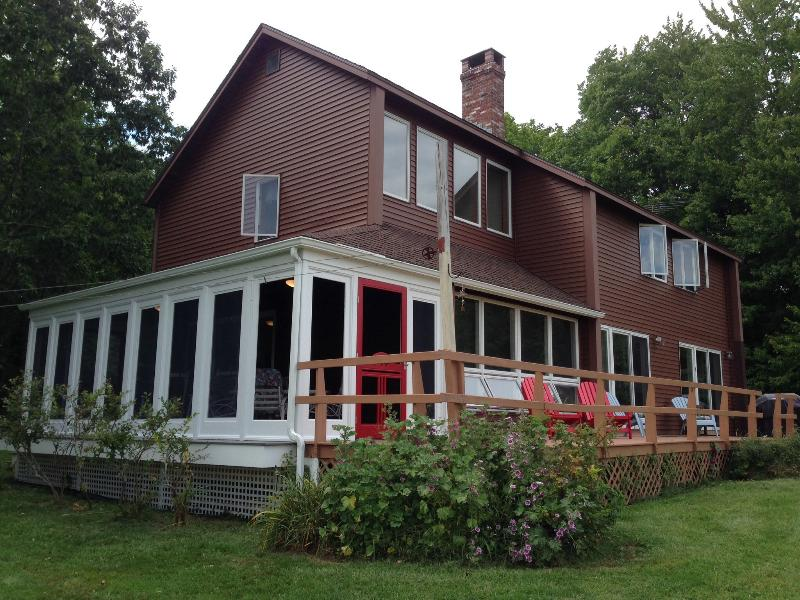 The Fort Point Cove Cottage wrap around deck - Bayside Retreat: Panoramic Views of Penobscot Bay - Bucksport - rentals