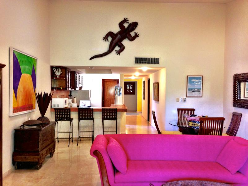 Vaulted ceilings for larger spaces - Lowest Rates-Updated-Hosted-Spotless-Free Beach-Free Wi/Fi - Playa del Carmen - rentals