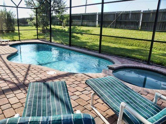 137SPL. Spacious 4 Bed 3 Bath Pool Villa in High Grove - Image 1 - Orlando - rentals