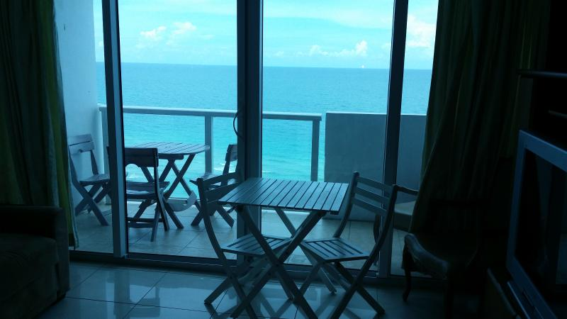Balcony facing ocean and beach - Miami Beach OceanFront with Balcony - Miami Beach - rentals