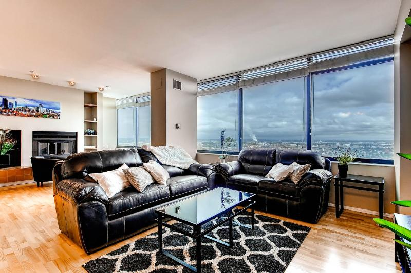 ***Penthouse Suite*** Atop Ritz Carlton Downtown - Image 1 - Denver - rentals