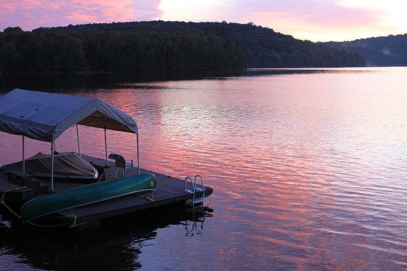 sunset at sand lake - Muskoka Four Season Lakefront Suite - Kearney - rentals