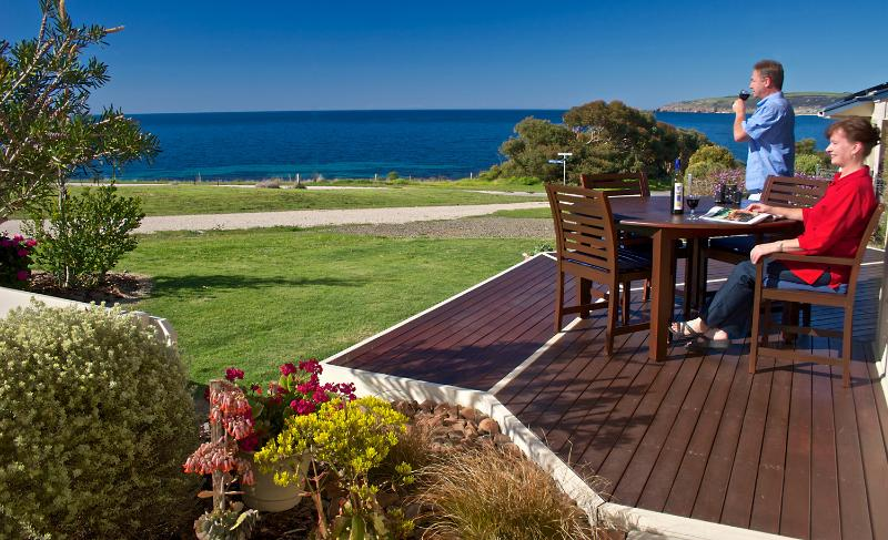 Panoramic sea views from the deck and living area. - Searenity Holiday Home - Panoramic Sea Views - Emu Bay - rentals