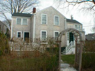 7 Lyon Street - Image 1 - Nantucket - rentals