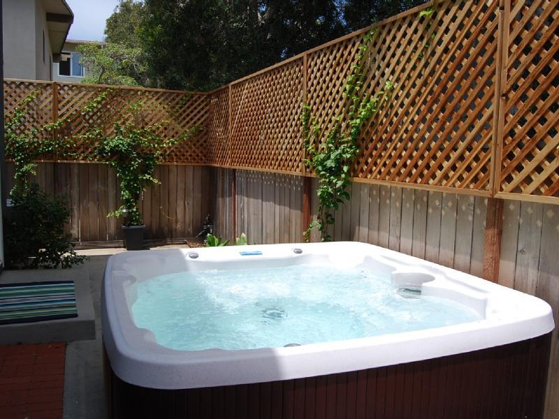 Hot Tub! - May Special $109/night! Holidays excluded. Coastal condo 1 block to beach w/hot tub! Near Carlsbad Village! - Carlsbad - rentals