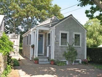 11 Warren Street - Image 1 - Nantucket - rentals
