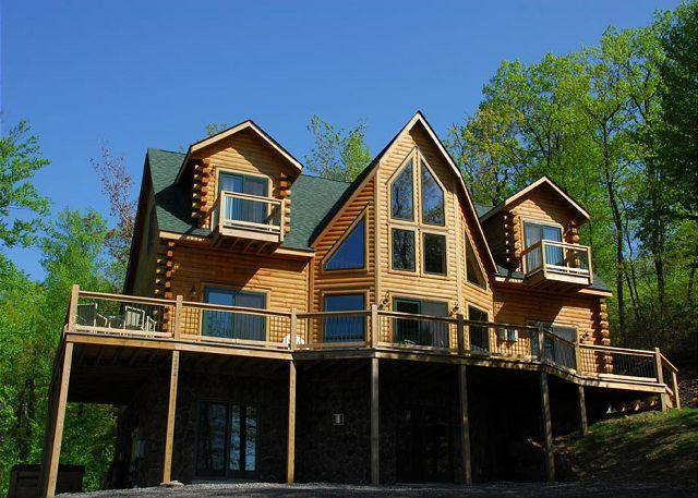 Immaculate 4 Bedroom Log home is ready to host your dream DCL getaway! - Image 1 - McHenry - rentals