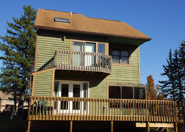 Alluring 3 Bedroom Ski In/ Ski out home w/ amazing slope views! - Image 1 - McHenry - rentals