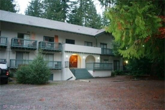 Snowline Lodging Building Entrance - Snowline Lodge - Condo #56 - Sleeps 4 - Close to the Mt. Baker! Now has WIFI! - Glacier - rentals