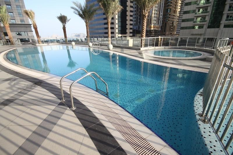 Private Pool Area - Dubai Marina 1 bed apartment with part marina view - Dubai - rentals