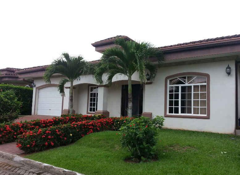 EcoVida Casa Blanca - Walk to the Beach! Huge Community Pools! - Image 1 - Playa Bejuco - rentals