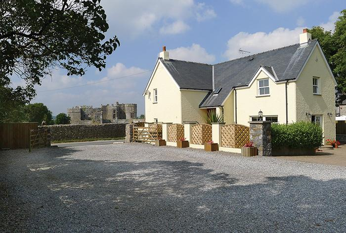 Five Star Holiday Cottage - Gate Cottage, Carew - Image 1 - Cresswell Quay - rentals