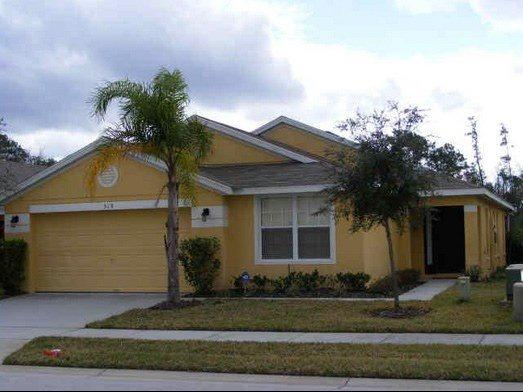 Adorable 4 Bedroom 3 Bathroom Pool Home with Lake View. 519SJW - Image 1 - Kissimmee - rentals