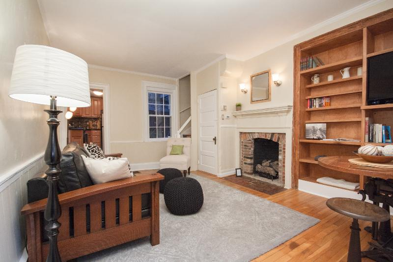 Charming Home on Walking Street in Washington Sq - Image 1 - Philadelphia - rentals