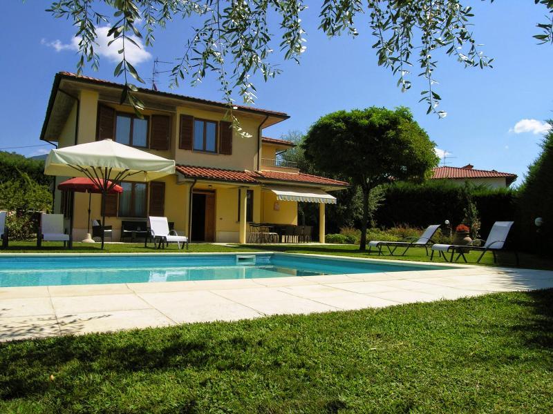 5 bedroom Villa in Loro Ciuffenna, Cortona and surroundings, Tuscany, Italy - Image 1 - Loro Ciuffenna - rentals