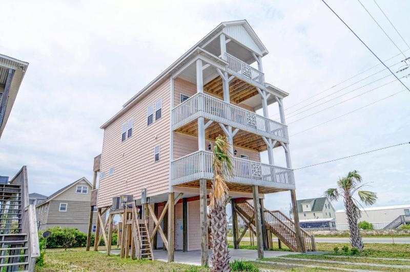 4 BR Home w/ Elevator-Pet Friendly-Topsail Island - Image 1 - North Topsail Beach - rentals