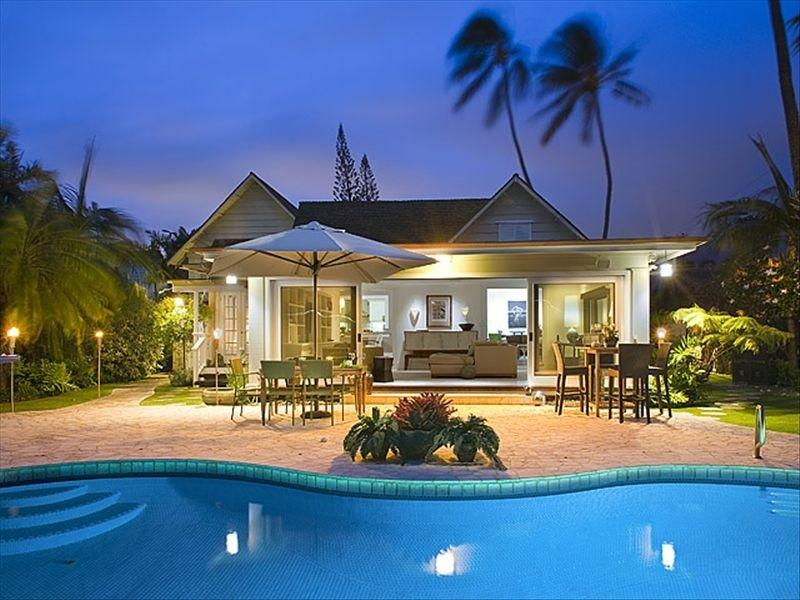 Aukai Villa, 4BR, Pool, A/C, Walk to Beach - Image 1 - Honolulu - rentals