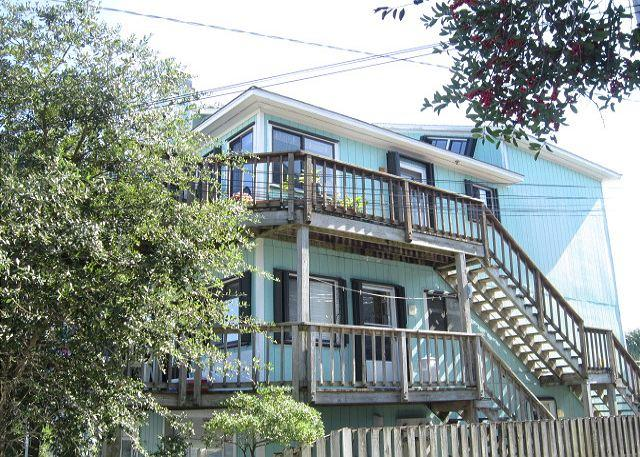 Bayview- Enjoy a relaxing getaway at this centrally located water view condo - Image 1 - Wrightsville Beach - rentals