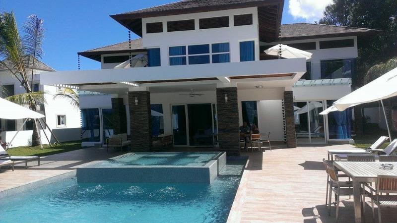 Luxury 7 bedroom Villa CE1 - 3-7 Bdr. Villas, Suites at 5* Resort - Best Rates! - Puerto Plata - rentals