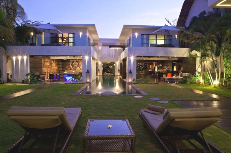Villa and Pool view - Casa Hannah, Luxury Large 5Bed/5Bath Seminyak - Seminyak - rentals
