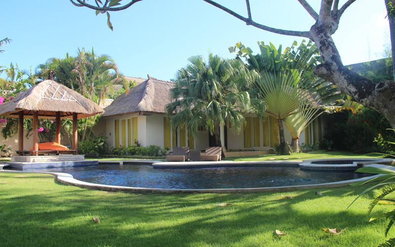 Villa and Pool view - Casa Luca, Luxury 5 Bedroom Villa, Central Seminyak - Seminyak - rentals