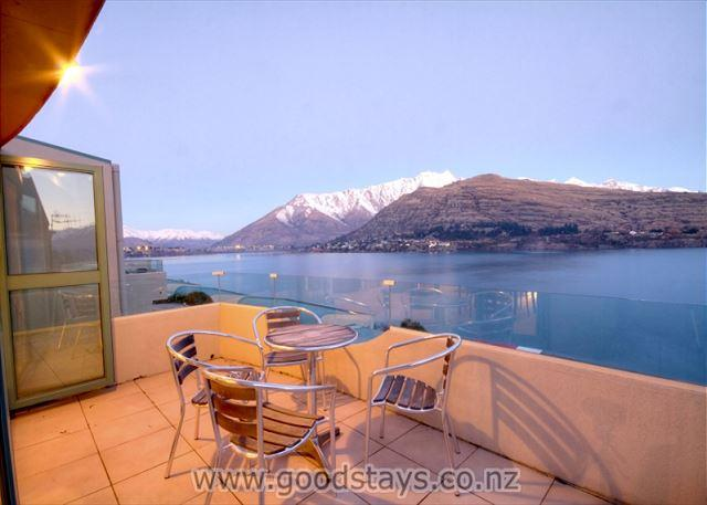 Goodstays_Queenstown - Three-level apartment: panoramic views on the shore of Lake Wakatipu! - Queenstown - rentals