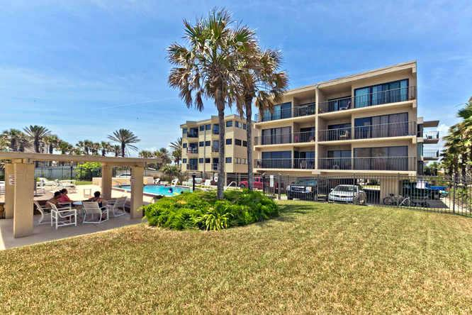 Great Oceanfront Overlooking Pool - The Heart Of Jax Beach , A Few Dates Left In March - Jacksonville Beach - rentals