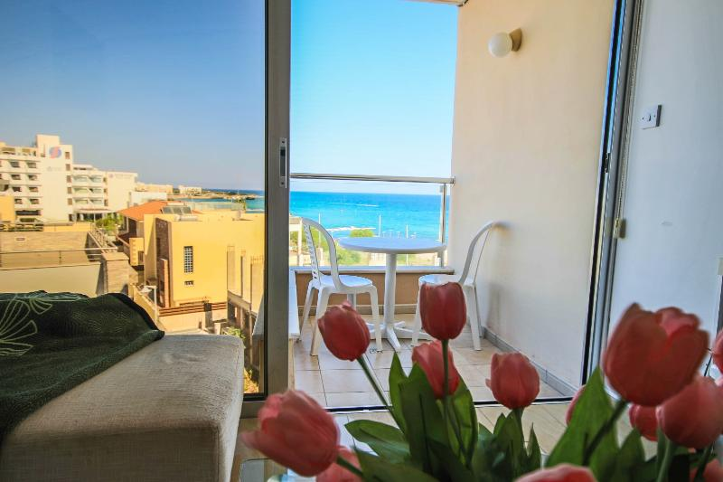 FIG TREE BAY APARTMENT 4 - Image 1 - Protaras - rentals