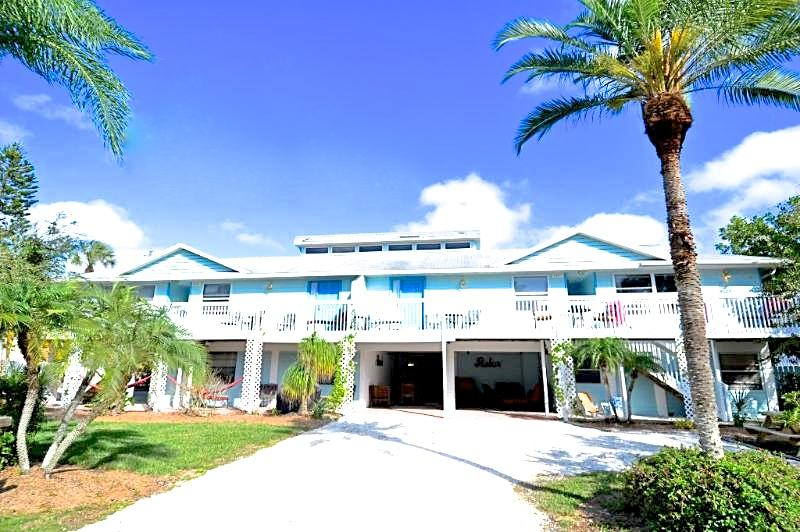 Old Man and the Sea Inn 1BR- 1 marlin from sand! - Image 1 - Siesta Key - rentals