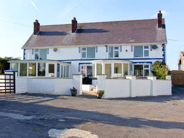 BLAENSILLTYN, detached farmhouse, spacious, en-suite, hot tub, games room, near Newcastle Emlyn, Ref 906881 - Image 1 - Newcastle Emlyn - rentals