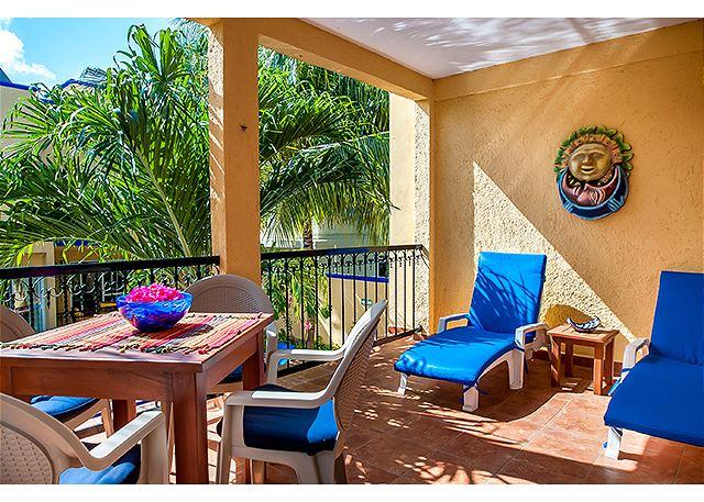 Large, very popular, airy one bedroom with kitchen and shaded private balcony - Image 1 - Puerto Morelos - rentals